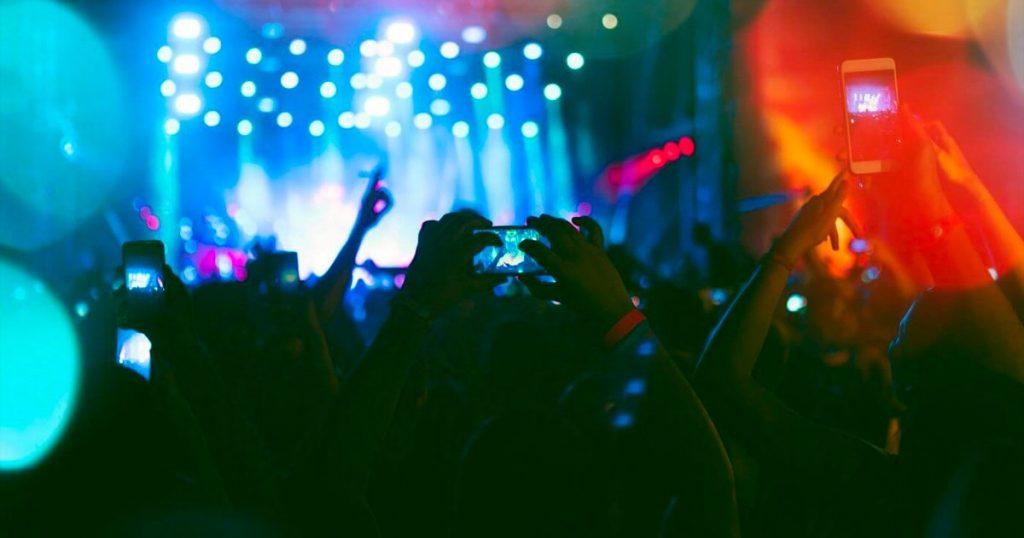 lanzan-app-para-ver-conciertos-en-realidad-aumentada-en-la-sala-de-tu-casa-1200x630
